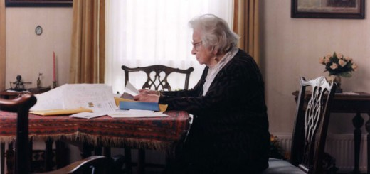 Miep Gies reading the incoming letters, June 2001. Photo by Bettina Flitner.
