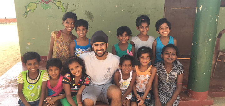 Amanvir with girls at a Sri Lanka orphanage